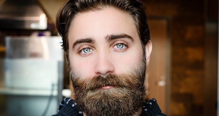 Trasplante de barba y cejas